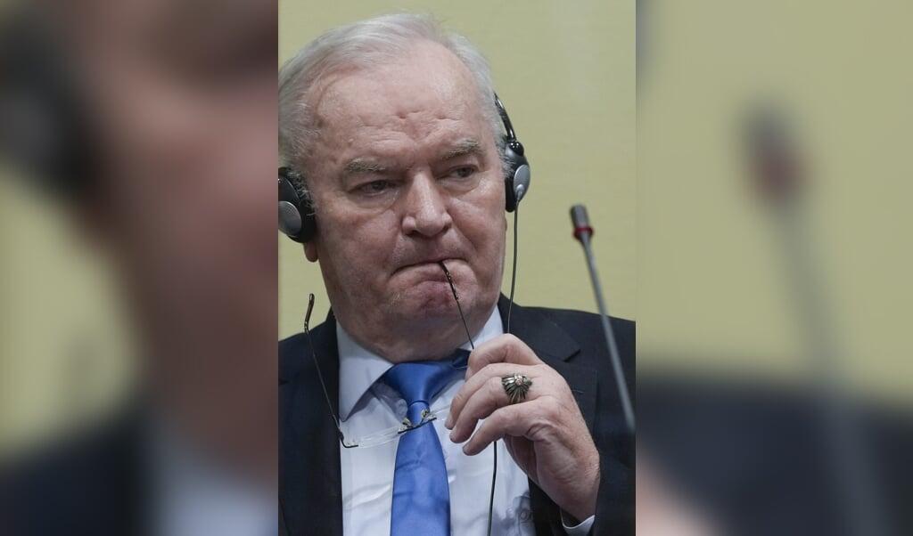 Ratko Mladic dinsdag in het tribunaal.  (beeld anp / Peter Dejong)