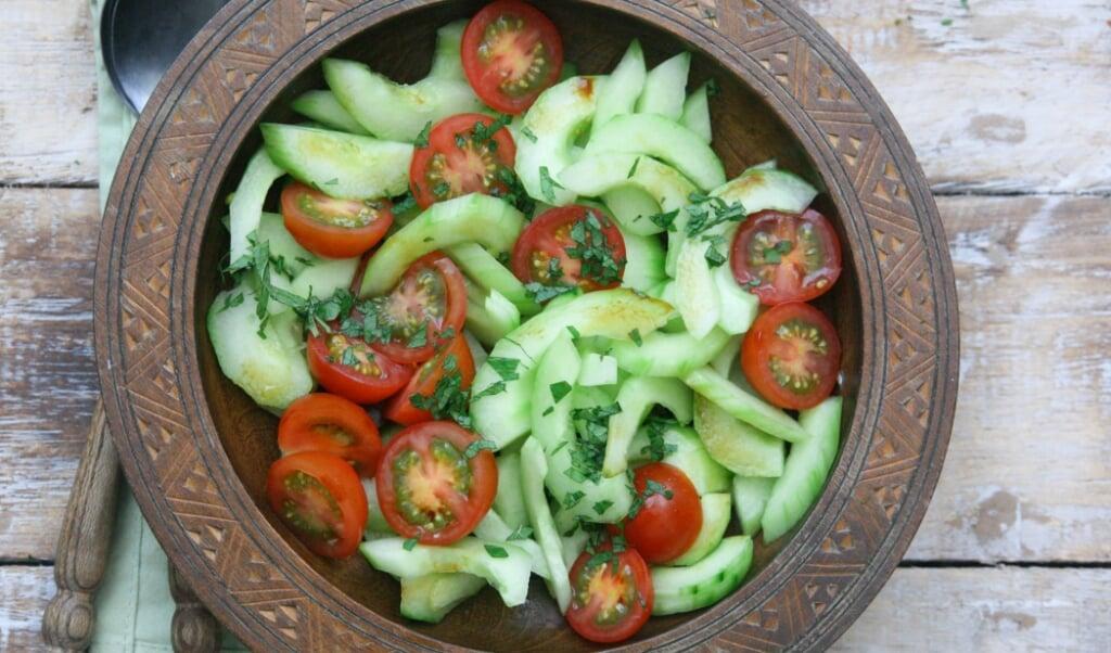 1583 Komkommersalade met munt HR1  (beeld nd)