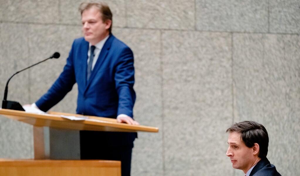 Kamerlid Pieter Omtzigt en partijleider Wopke Hoekstra, beiden CDA.  (beeld anp / Bart Maat)
