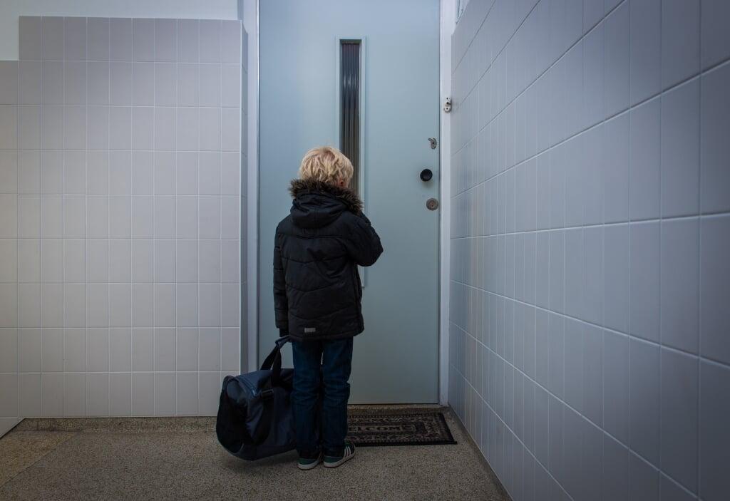 Jonge slachtoffers van uitbuiting worden door de coronacrisis minder goed geholpen.  (beeld anp / Roos Koole)