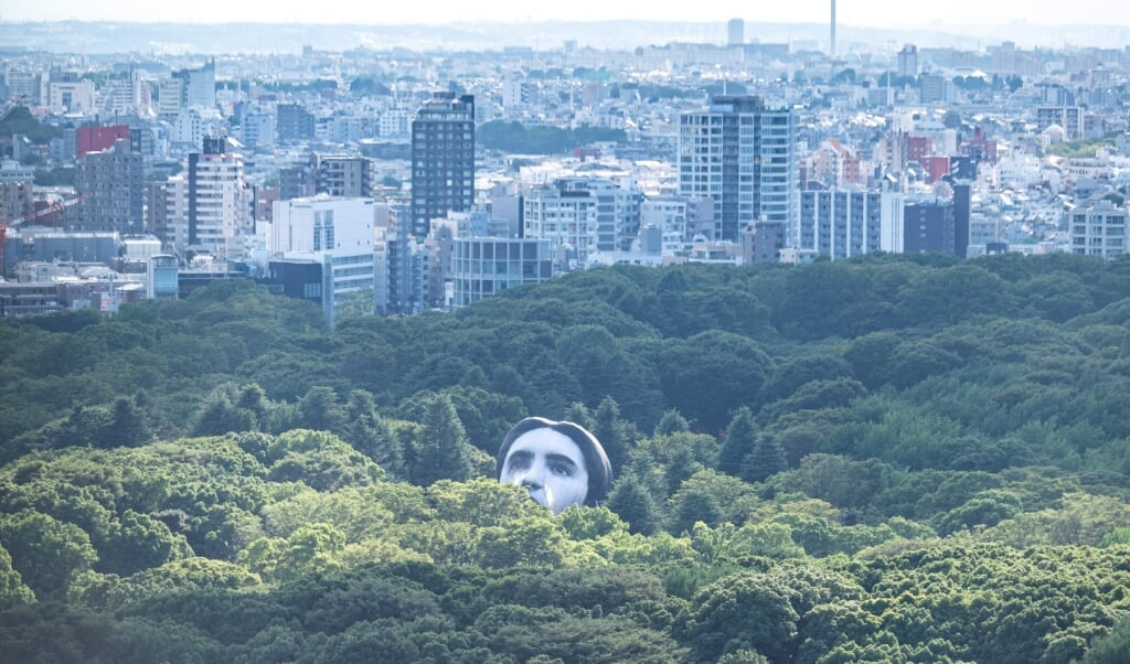 2021-07-16 10:21:51 A hot air balloon created by Japanese art group