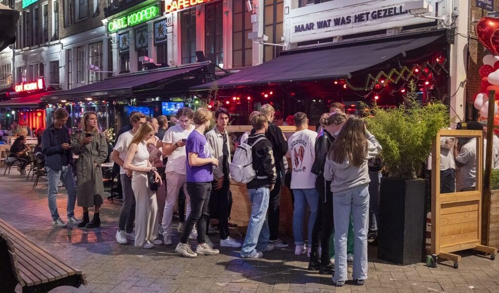 TeamAlert adviseert jongeren die gaan feesten een 'nuchtere rit' te regelen voor de terugreis.  (beeld anp / Evert Elzinga)