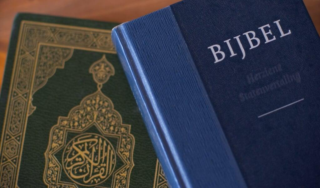 'De Koran erkent dat God zich in de Thora en het Evangelie heeft geopenbaard, maar sommige moslims zeggen dat de tekst van die boeken is veranderd', aldus Pim Valkenberg.  (beeld anp / Roos Koole)