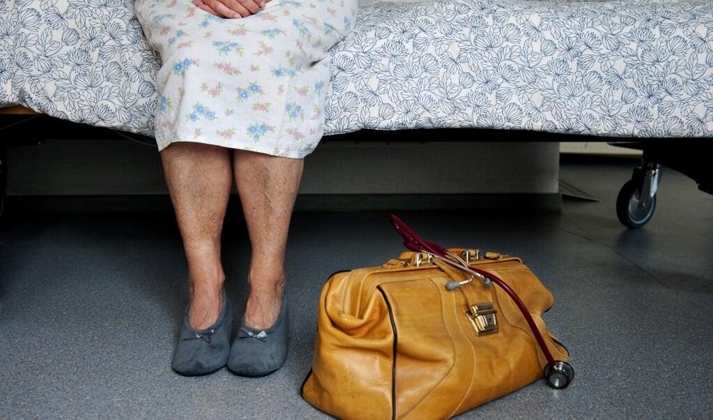 De toetsingscommissies leggen de euthanasieregels te ruim uit, vindt het OM.  (beeld anp / Roos Koole)