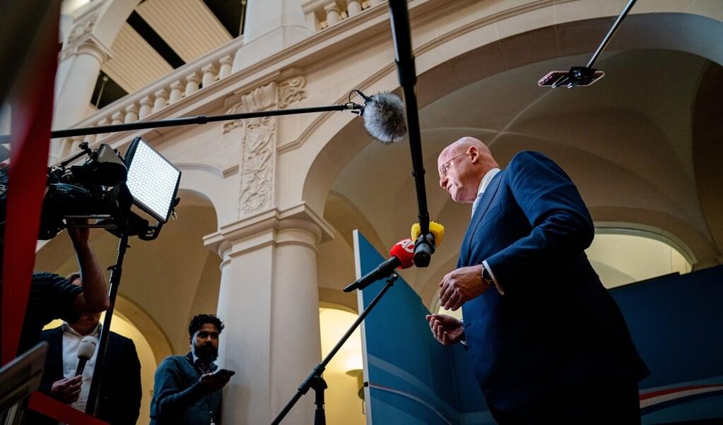 Demissionair minister Grapperhaus dinsdag na afloop van het corona-overleg. 'In het uiterste geval moeten we tot sluiting overgaan.'  (beeld anp / Bart Maat)
