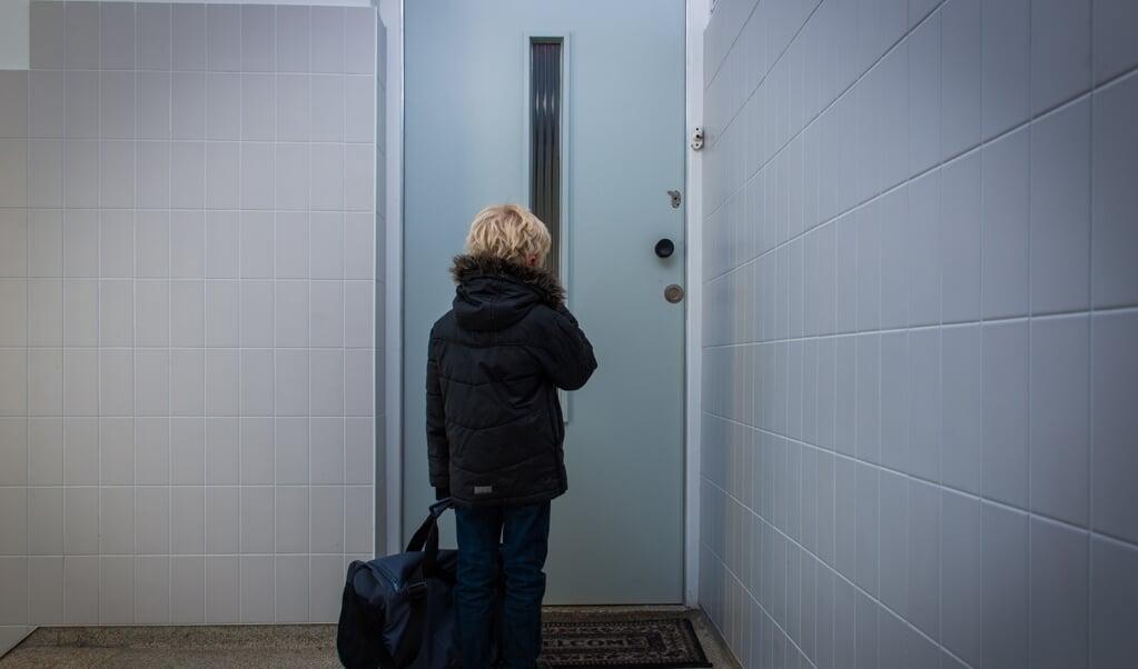 Jonge slachtoffers van uitbuiting worden als gevolg van de coronacrisis minder goed geholpen.   (beeld anp / Roos Koole)