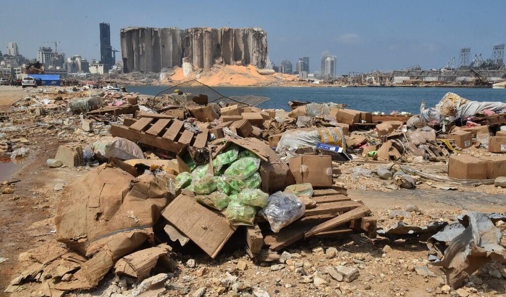 Ravage in Beiroet, na de explosie op 4 augustus 2020. Sindsdien is de situatie alleen maar verder verslechterd. De internationale gemeenschap wil wel helpen, maar er is geen betrouwbare gesprekspartner in de Libanese regering.  (beeld anp / Fadel Itani)