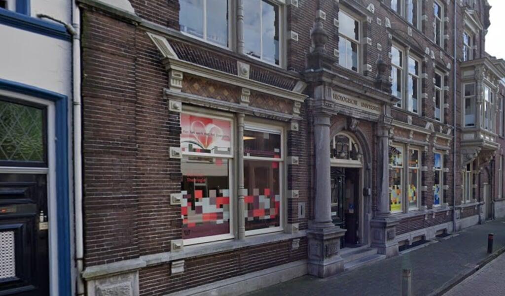 De Theologische Universiteit aan de Broederweg in Kampen.  (beeld google maps)