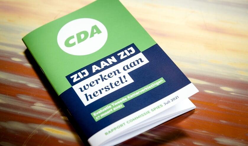 Het rapport van de commissie-Spies met de bevindingen over het CDA rondom de Tweede Kamerverkiezingen.  (beeld anp / Sem van der Wal)