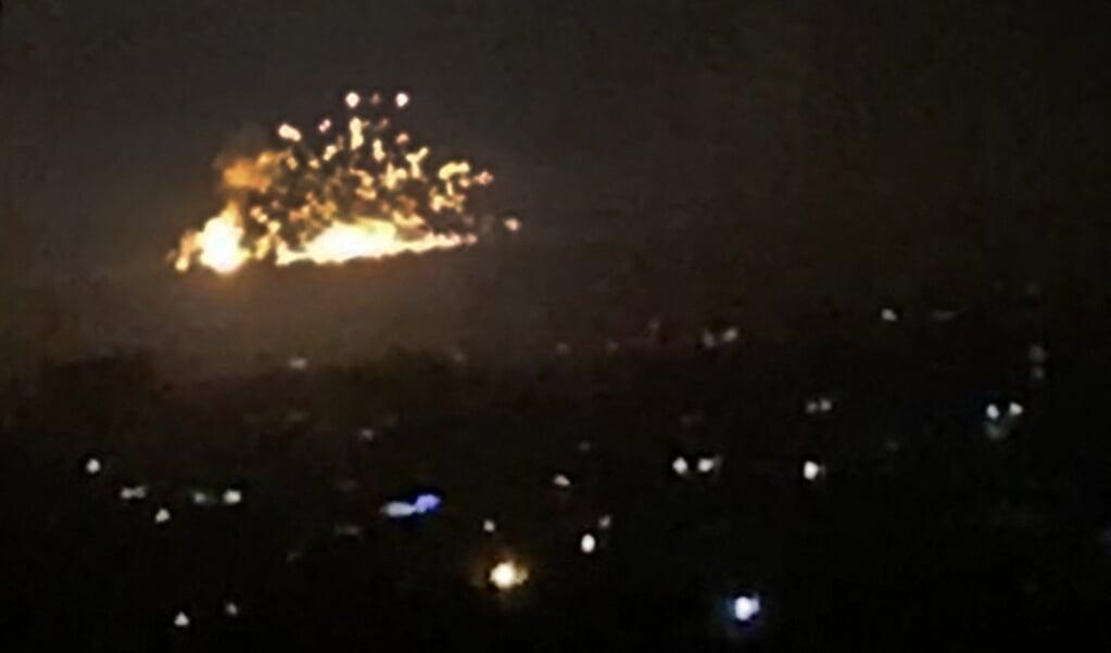 Israël heeft met oogluikende toestemming van Rusland in Syrië honderden aanvallen uitgevoerd op doelen van Iran en Hezbollah, zoals hier bij Damascus.  (beeld afp)