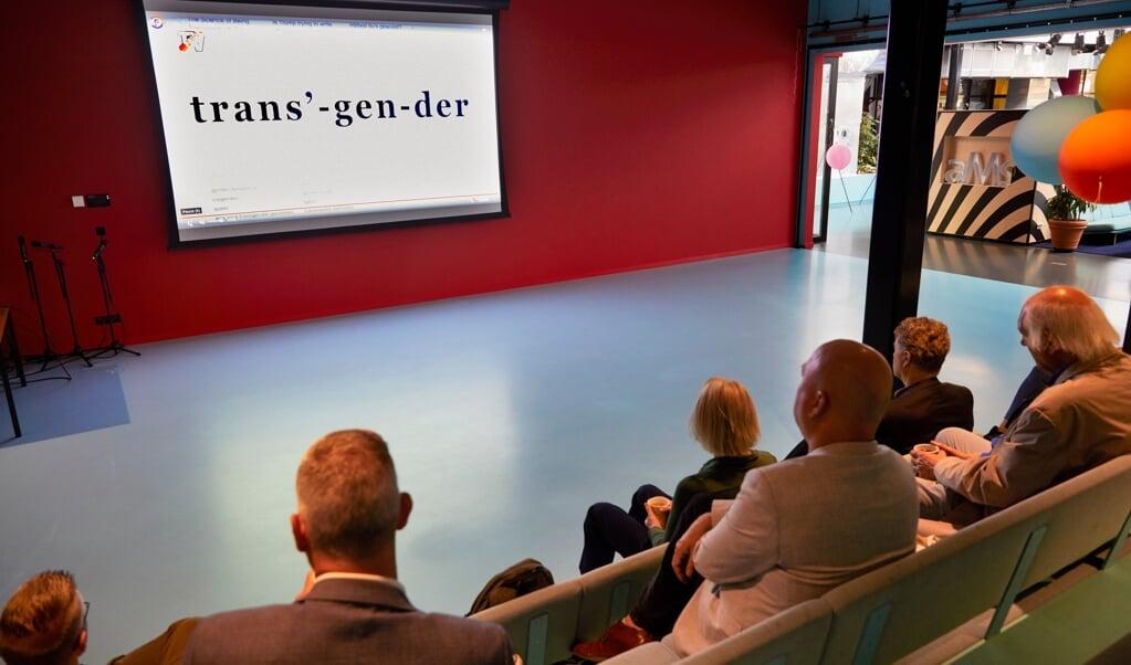 Nederland Amsterdam Boris Dittrich Jan Wolsheimer Lisa van Ginniken tweede kamerlid D66 Alexander Noordijk homo conversie Pride tv panel discussie en het bekijken van film 4-8-2021  Foto Jaco Klamer  (beeld JACO KLAMER)