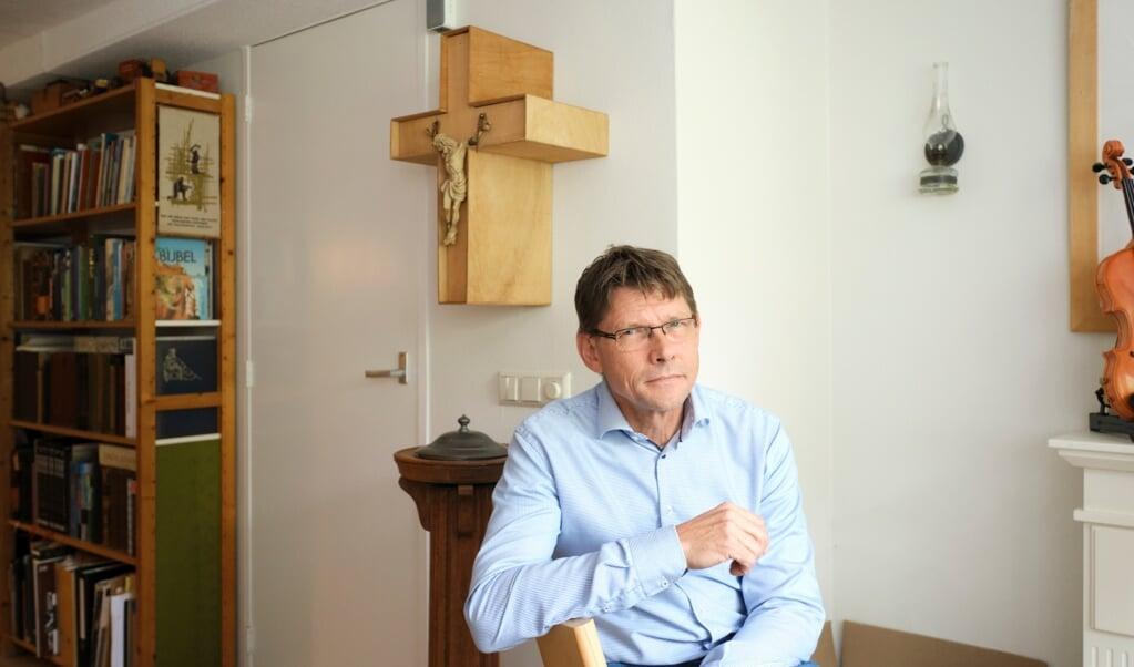 Dominee Gertjan Oosterhuis deed onderzoek naar gereformeerden die de overstap maakten naar een evangelische kerk.   (beeld Dick Vos)