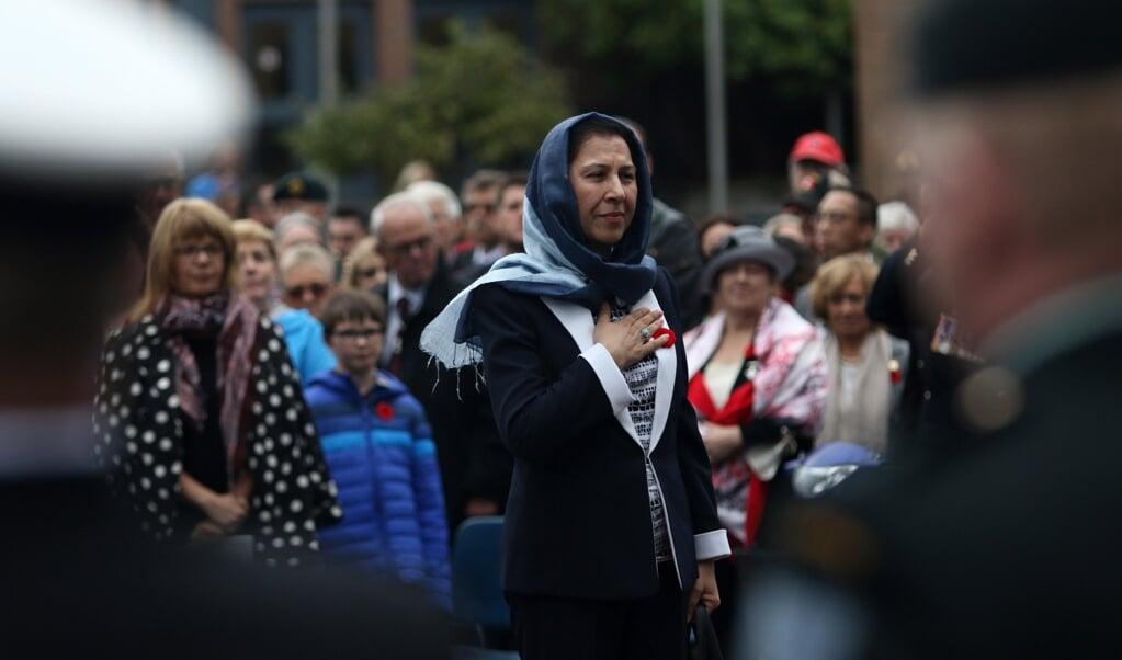 Shinkai Karokhail als ambassadeur in Canada bij de onthulling van een monument ter ere van gesneuvelde Canadese soldaten in Afghanistan tussen 2001 en 2014.   (beeld Hollandse Hoogte / Chad Hipolito)