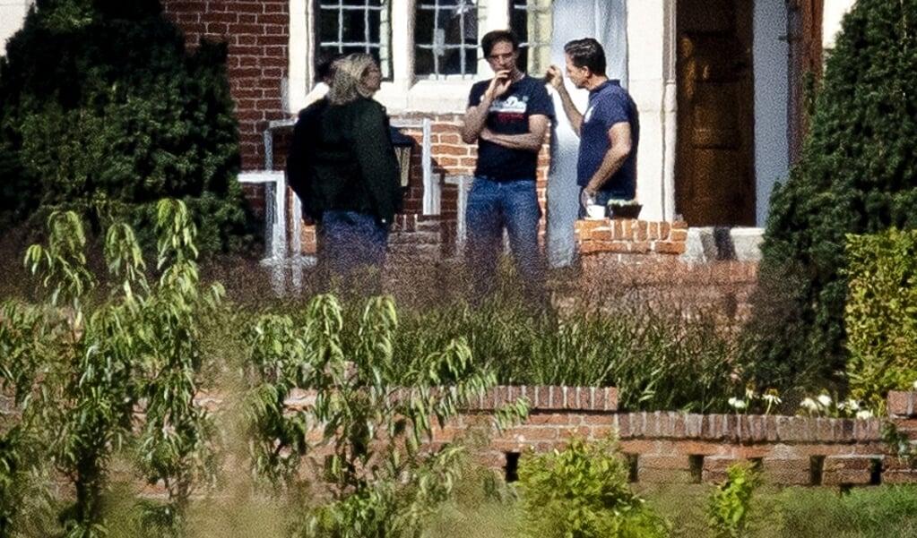 De drie partijleiders in de tuin van landgoed De Zwaluwenberg.  (beeld anp / Sem van der Wal)
