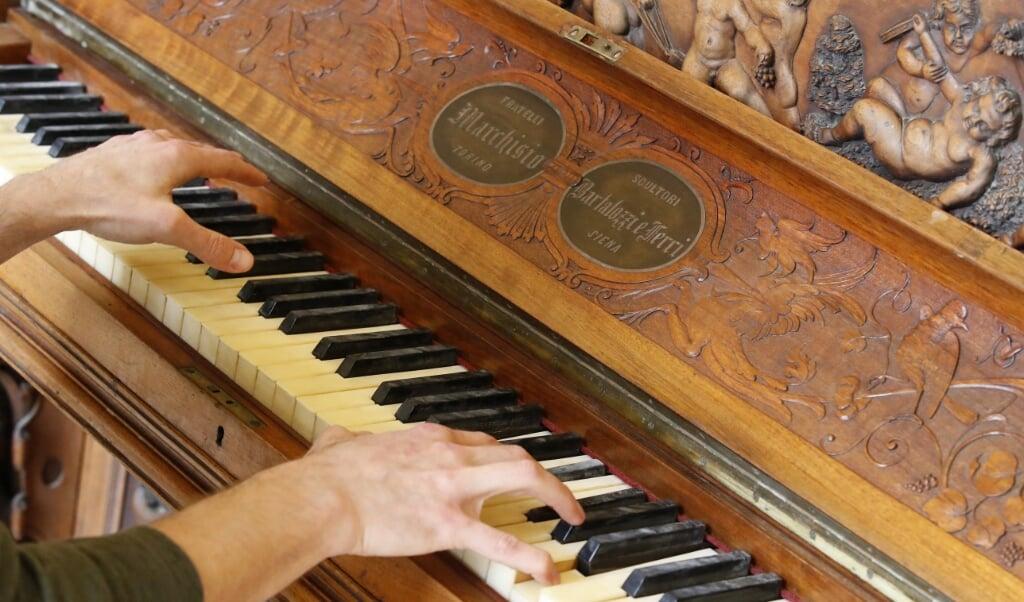 Een pianosonate van Mozart blijkt goed te werken tegen hersenactiviteit bij epilepsie.  (beeld Jack Guez / afp)