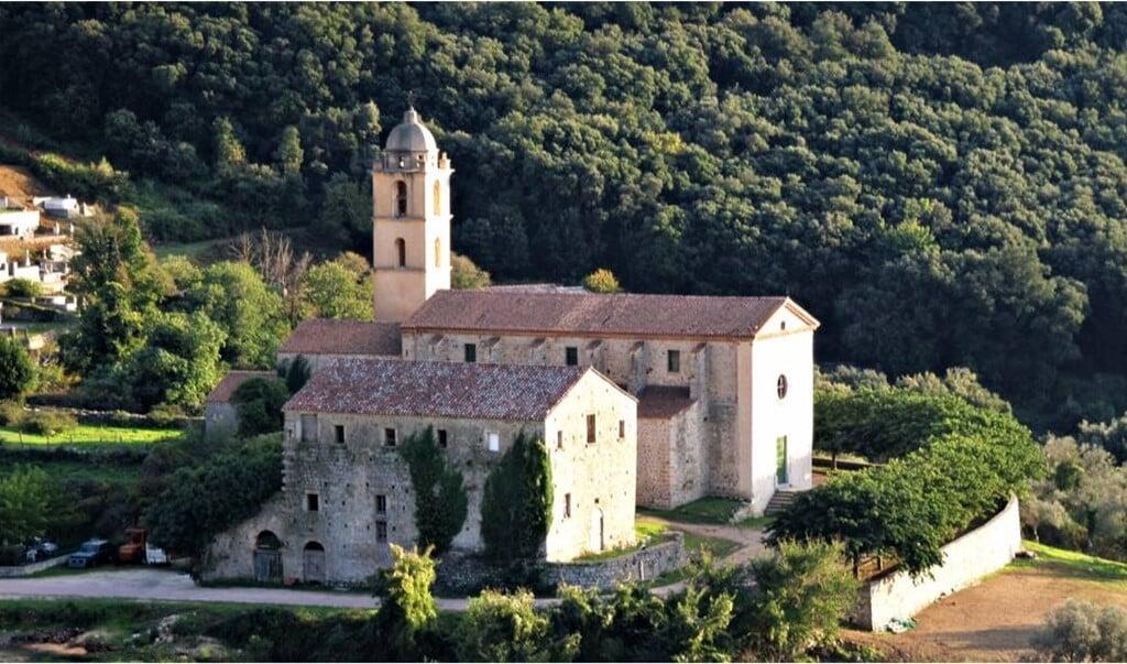 Het traditionalistische klooster van Sint-Franciscus in het Franse dorp Villié-Morgon.  (beeld Facebook @couventsaintfrancois )