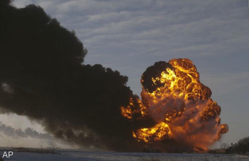 Olietrein ontspoord en in brand in VS
