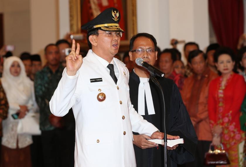 Moslims zitten christelijke gouverneur Jakarta dwars