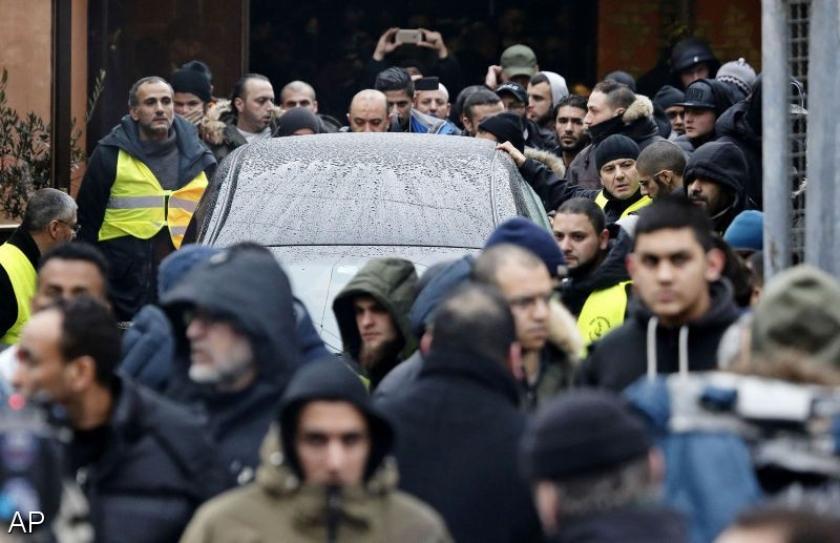 Derde Deen opgepakt voor hulp aan synagogeschutter