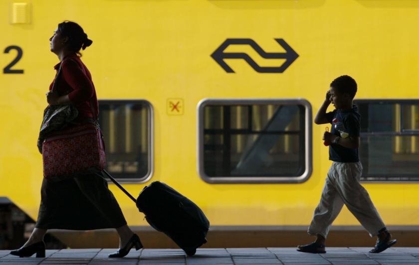 NS schrapt driehonderd indirecte banen