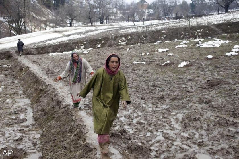 Doden door overstromingen in Kashmir