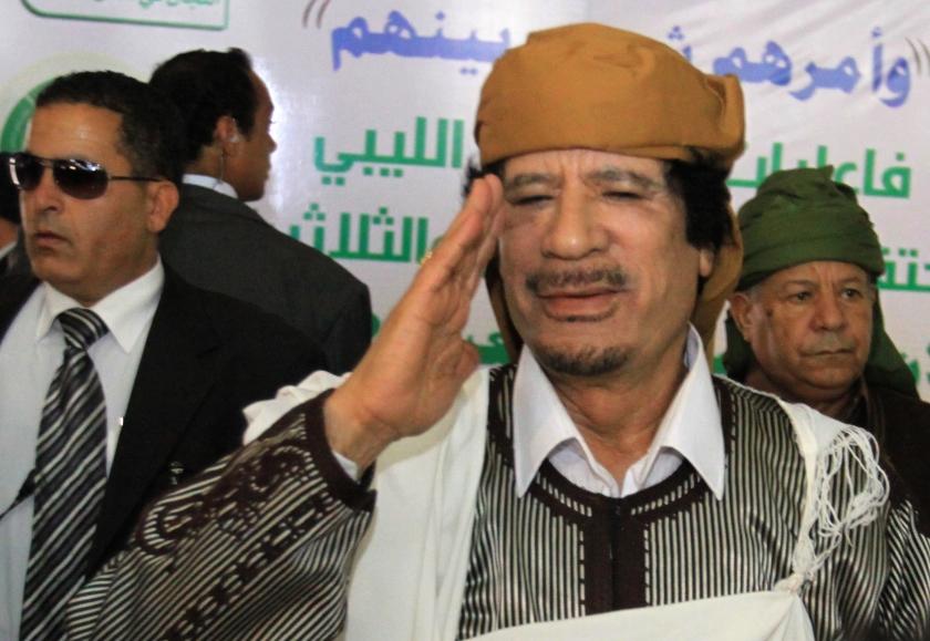 Aisha Gadhafi wil onderzoek naar dood van haar vader