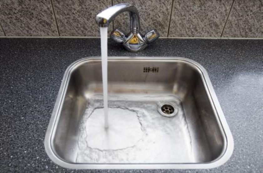Veel Noord-Ieren zonder water door dooi