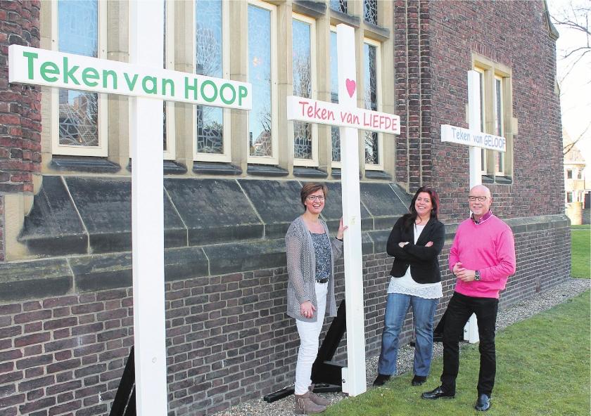 Drie kruisen in het centrum van Enschede