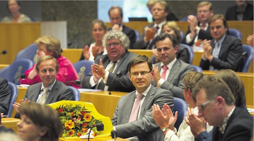 Uit de Kamer, wat is Haagse carrière waard op CV?