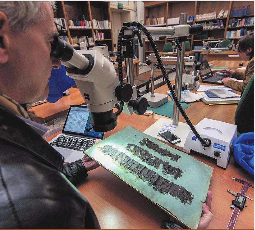 Verkoolde papyrusrol uit het jaar 79 voor het eerst gelezen door röntgenspecialist