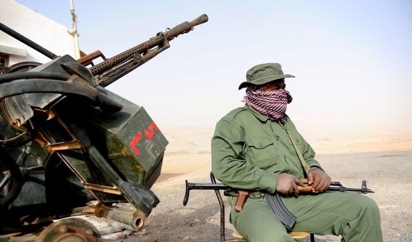 Trainende rebellen hopen op betere wapens