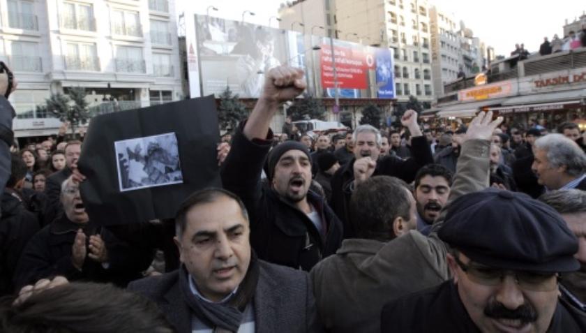 Koerdische rebellen roepen op tot opstand