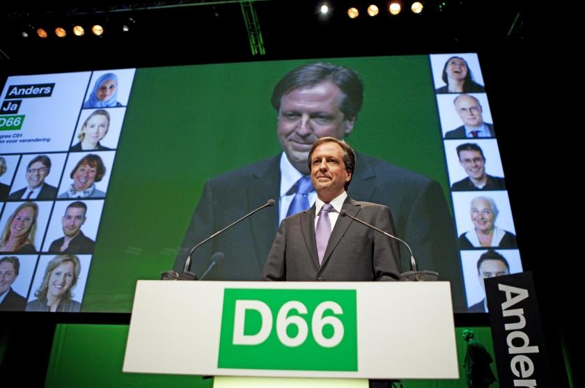 Pechtold neemt CDA en PvdA onder vuur