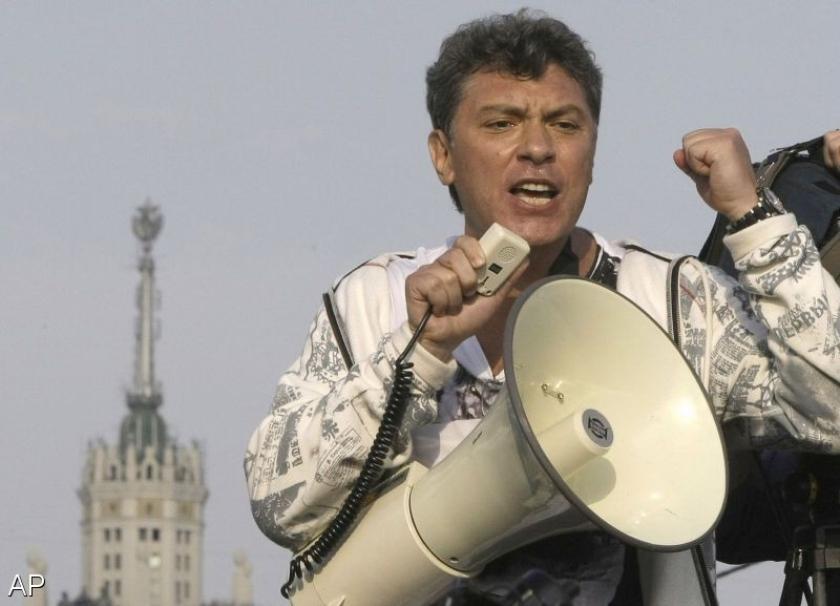 Koenders geschokt door moord op Nemtsov