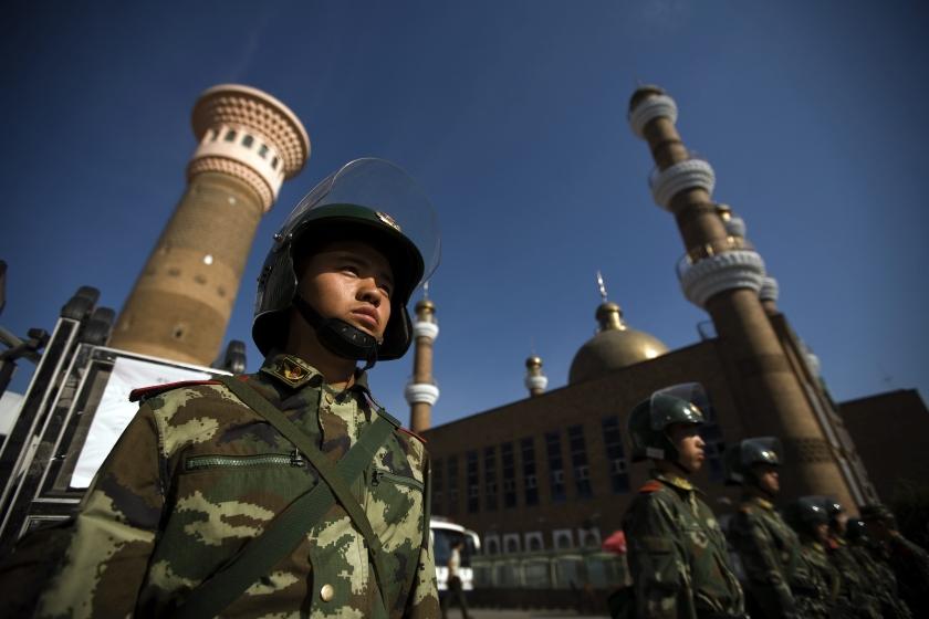 China sluit moskeeën in Urumqi