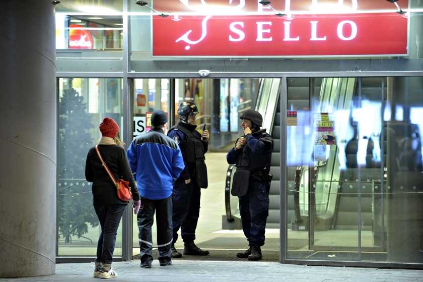Verdachte moorden Finland dood gevonden