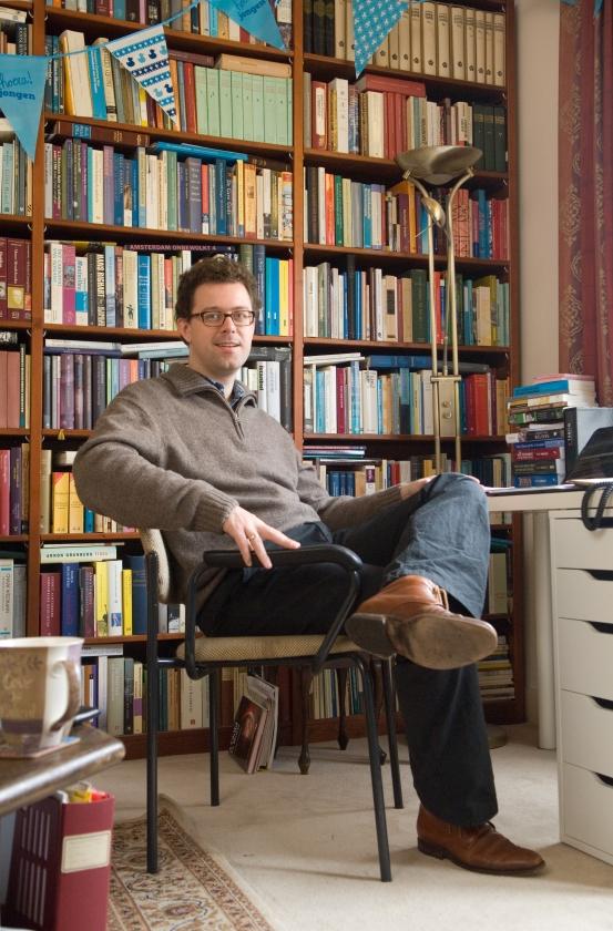 Bart Wallet: schatgraver van het Jiddisch