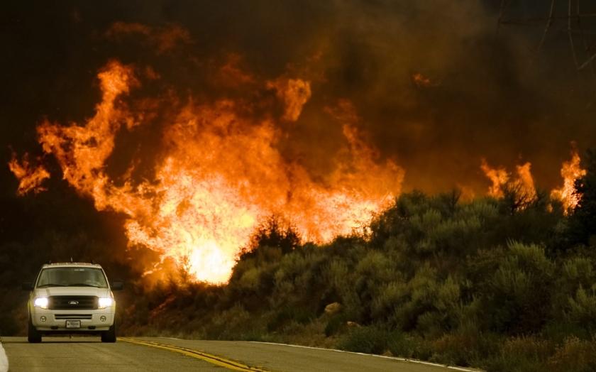 Bosbranden Los Angeles breiden zich snel uit