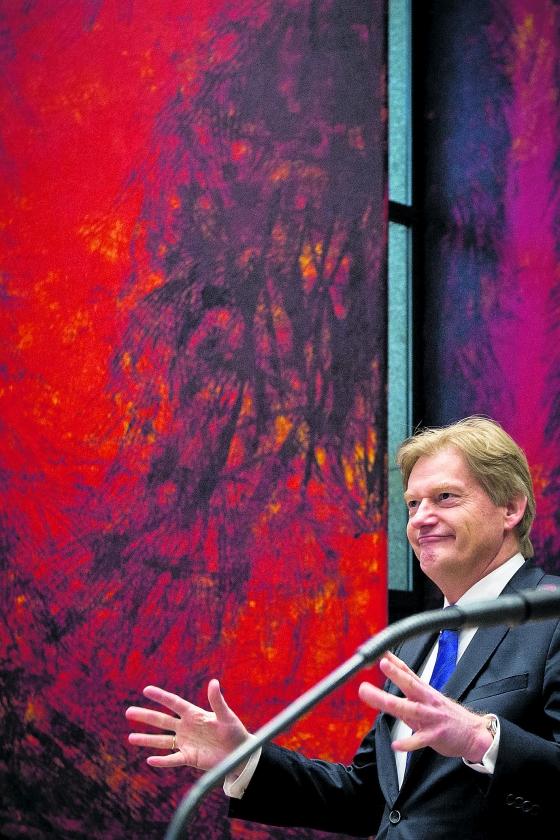 Genant gedoe bedreigt Van Rijn  (novum / Freek van den Bergh)