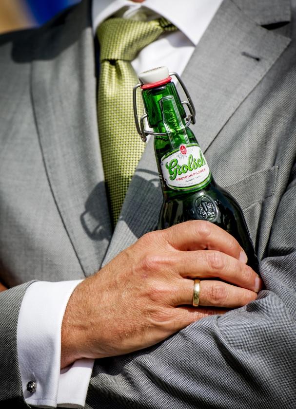 Minder drinken lukt alleen als alcohol minder goed verkrijgbaar is.  (anp / Robin van Lonkhuijsen)