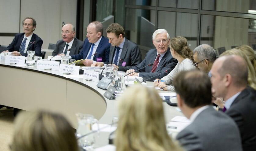 De Tweede Kamer hoort de commissie-Oosting over de deal die officier van justitie Fred Teeven in 2000 sloot met  drugscrimineel Cees H.  (anp / Bart Maat)