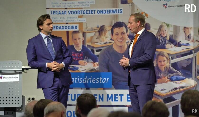 Thierry Baudet (FVD,l.) en Kees van der Staaij (SGP) kruisen de degens tijdens een debatavond op de Driestar in Gouda.  (nd)