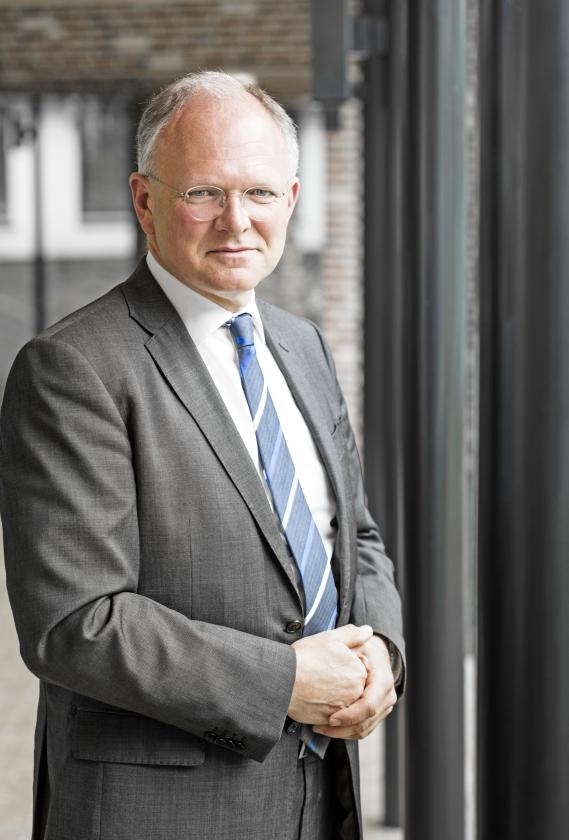 In gesprek met Herman Selderhuis  (Dick Vos)