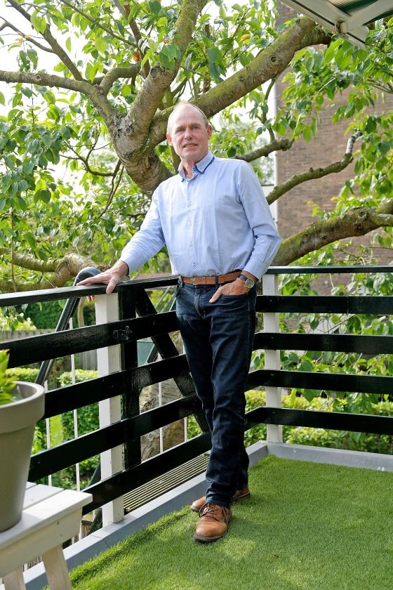 Gerrit Mes: timmerman en voorganger   (Richard van Hoek)