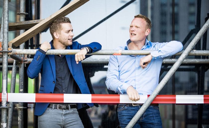 Jan van de Ven (l.) en Thijs Roovers rebelleren met PO in Actie tegen de gevestigde vakbonden. 'Jonge docenten worden vaak over het hoofd gezien.'  (Freek van den Bergh)