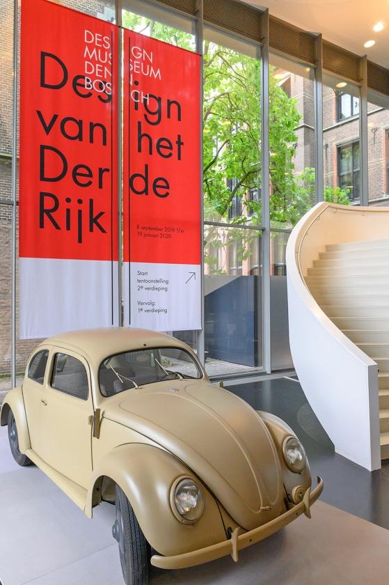 340.000 Duitsers plakten spaarzegeltjes in de hoop een Kever te kunnen bemachtigen.