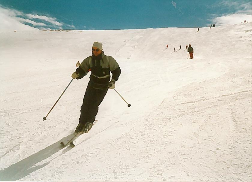 'Ik houd van skiën, en ook van surfen en zeilen.  Lekker buiten in de natuur en bezig met techniek