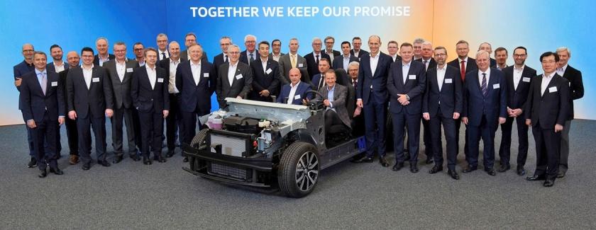 Het Volkswagen-team bij de MEB, het platform voor elektrische auto's.  (pr, epa / Kevin Nobs)