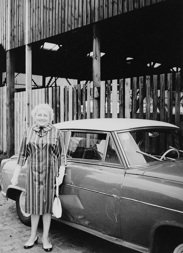 Anoniem: familiefoto's van uitstapjes 1950-1960.   (photograpy inc / fomu)