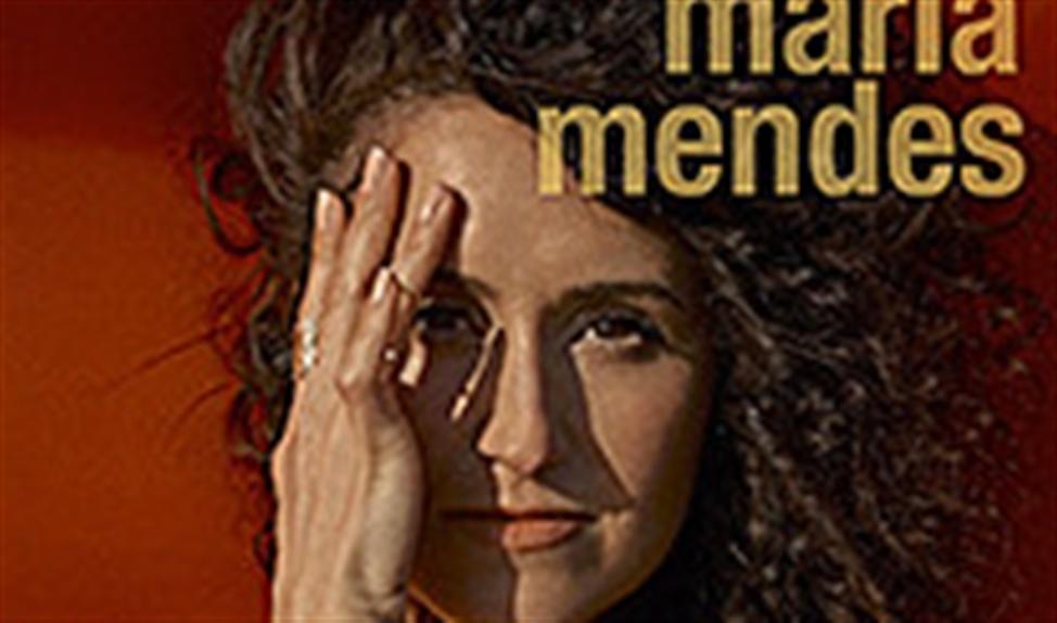 Close to Me: loepzuivere en mooi gearrangeerde fado van Maria Mendes